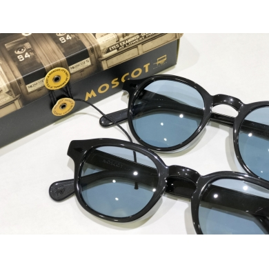 MOSCOT × POKERFACE