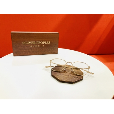OLIVER PEOPLES B.Meetingのフレーム紹介